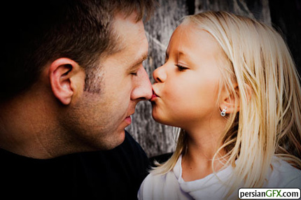 http://img.persiangfx.com/main/gallery/34.affectionate.father.and.child/34-a-daughters-kiss.jpg