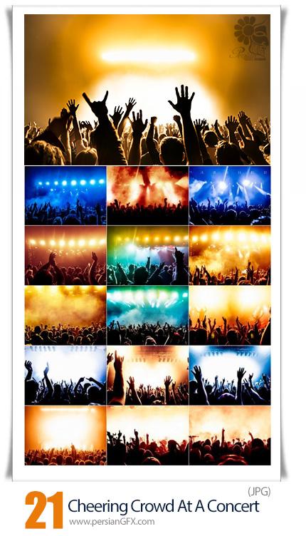 دانلود 21 عکس با کیفیت تشویق جمعیت در کنسرت - Cheering Crowd At A Rock Concert